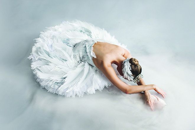 Hannah Fischer in Swan Lake. Photo by Karolina Kuras.