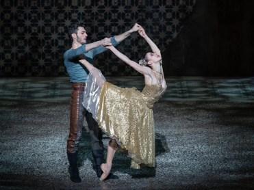 Rebecca Bianchi and Giacomo Castellana in Carmen di Jiří Bubeníček ® Yasuko Kageyama 01