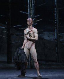 Frankenstein. Wei Wang as The Creature. ©ROH 2019. Photographed by Andrej Uspenski