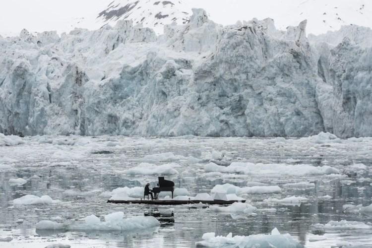Ludovico Einaudi in the Arctic, photo by Pedro Armestre, Greenpeace