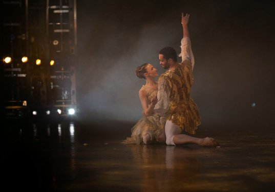 Yvette Knight with Brandon Lawrence in Beauty and the Beast, Birmingham Royal Ballet © Dasa Wharton 45