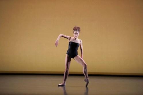 Emilia Cadorin performing BAM © Laurent Liotardo
