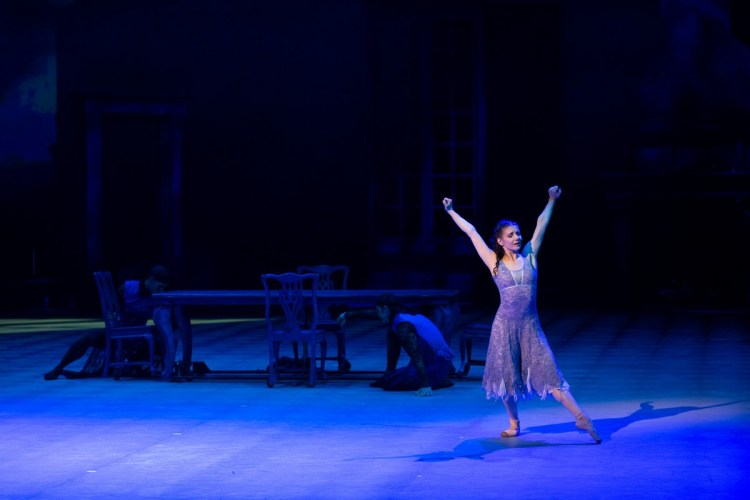 10 Christopher Wheeldon's Cinderella with English National Ballet © Dasa Wharton