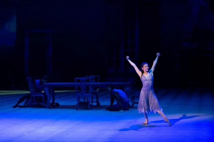 10 Christopher Wheeldon's Cinderella with English National Ballet © Dasa Wharton