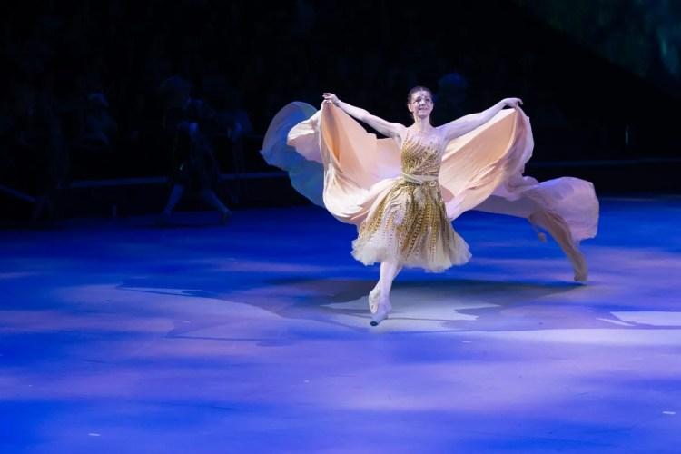 19 Christopher Wheeldon's Cinderella with English National Ballet © Dasa Wharton