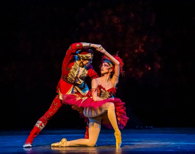 The Firebird. Edward Watson and Yasmine Naghdi. ©ROH, 2019. Photo by Tristram Kenton