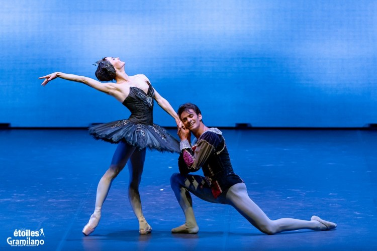 Swan Lake (Black Swan pas de deux, Act III) with Anna Tsygankova and Constantine Allen © Graham Spicer, Daniele Cipriani Entertainment 6