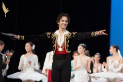 Shale Wagman winning the gold medal at the Prix de Lausanne 2018, photo by Gregory Batardon