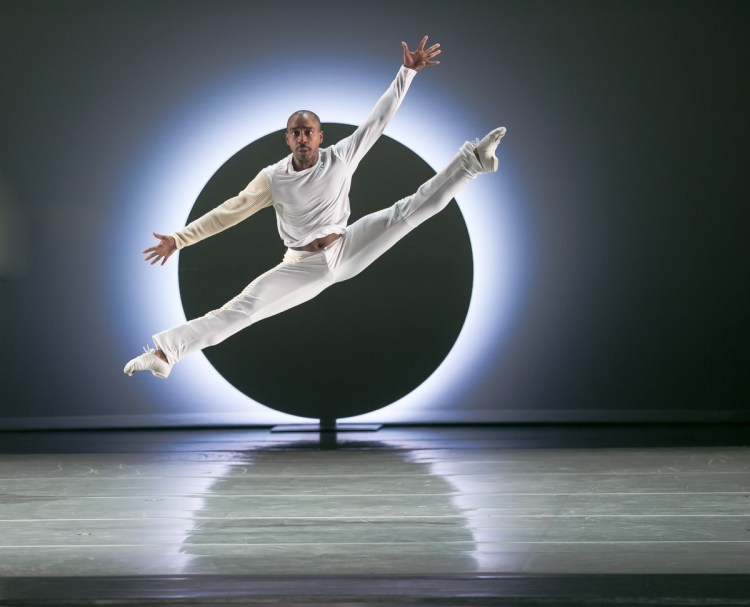 21 AAADT's Renaldo Maurice in Jessica Lang's EN, photo by Dasa Wharton