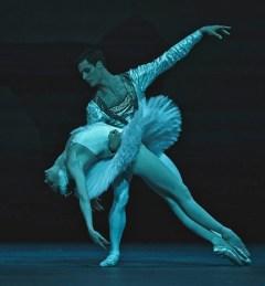 Jacopo Tissi and Alena Kovaleva in Swan Lake, The Royal Opera House, London 2019 © Malcolm Levinskind