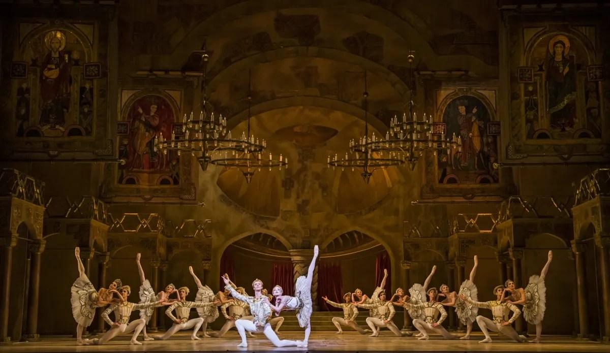 Raymonda Act III. Artists of The Royal Ballet. ©ROH, 2019. Photographed by Tristram Kenton (2)