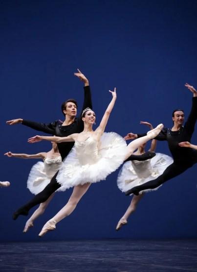 George Balanchine's Symphony in C with Maria Celeste Losa and Mattia Semperboni © School of American Ballet 2019 13