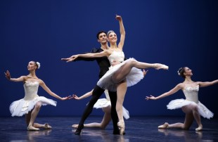 George Balanchine's Symphony in C with Martina Arduino and Nicola Del Freo © School of American Ballet 2019 06
