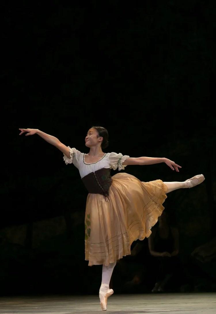 13 Giselle, Birmigham Royal Ballet, with Yaoqian Shang © Dasa Wharton 2019