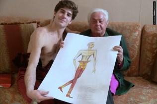 Fitting for Roberto Capucci's costumes for Les Étoiles © Cristiano Castaldi 06