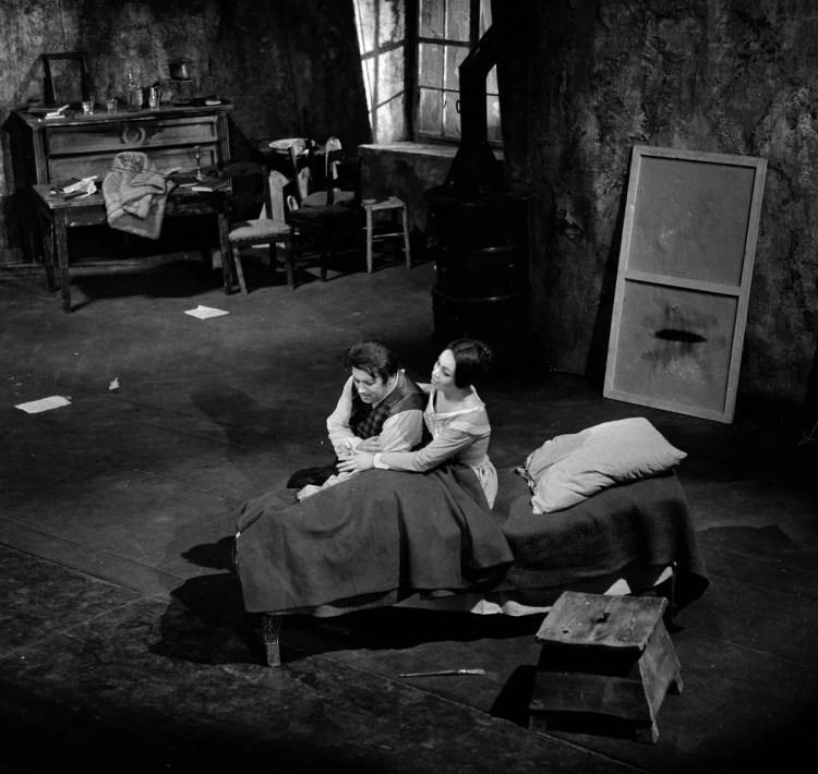 03 Mirella Freni in LA BOHEME 1963 with Gianni Raimondi photo by Erio Piccagliani © Teatro alla Scala