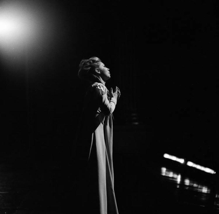 10 Mirella Freni in FAUST 1966 photo by Erio Piccagliani © Teatro alla Scala
