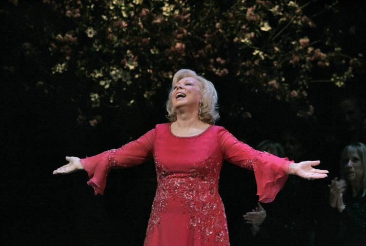 Mirella Freni at 2005 Metropolitan Opera Gala @Photo by Ken Howard