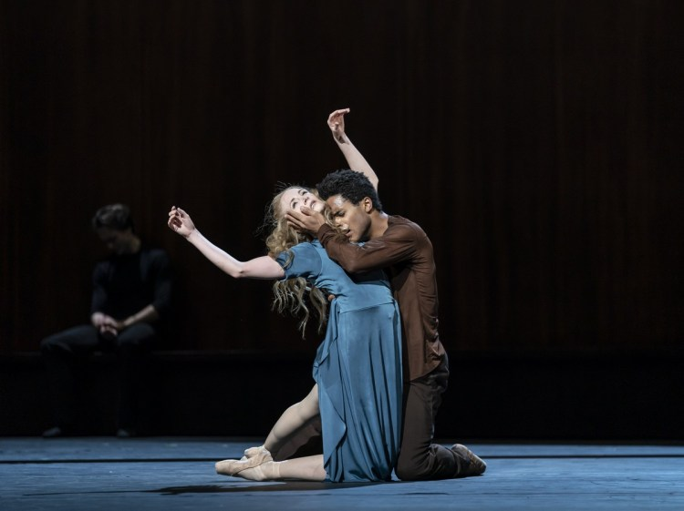 The Cellist. Marcelino Sambe and Lauren Cuthbertson. ©ROH, 2020. Photographed by Bill Cooper. (6)