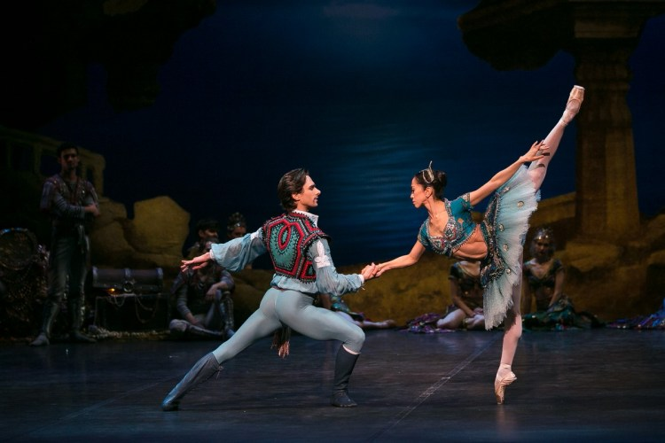 10 English National Ballet in Le Corsaire with Erina Takahashi and Francesco Gabriele Frola @ Dasa Wharton