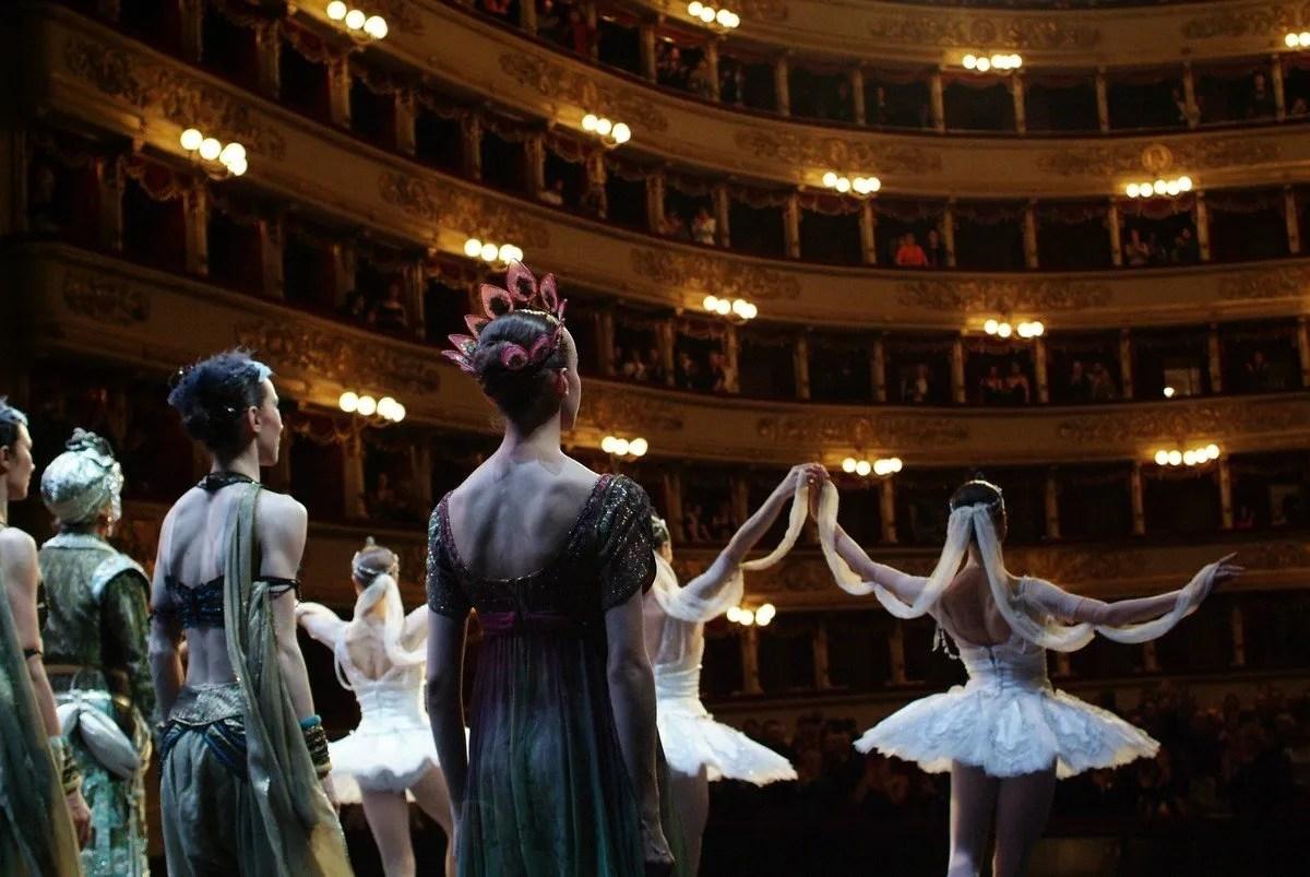 Corps de ballet photo by Marco Brescia Teatro alla Scala