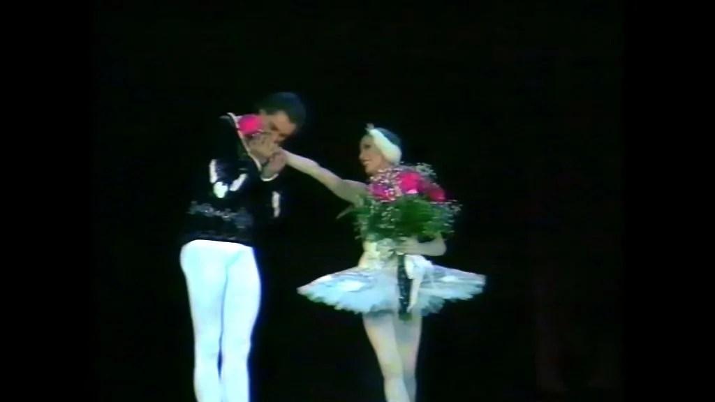 Natalia Makarova and Konstantin Zaklinsky in Swan Lake Act 2 adagio 5