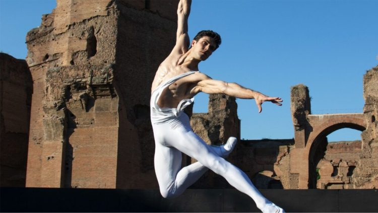 Roberto Bolle at the Caracalla Baths © Teatro dell'Opera di Roma