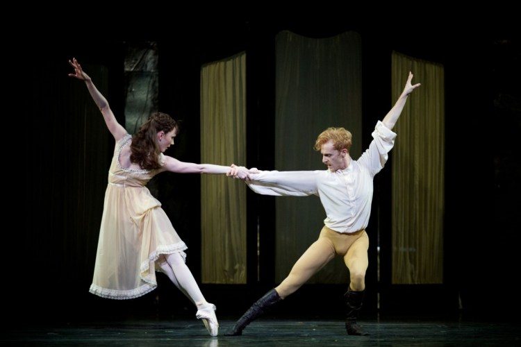 Mayerling, with Sarah Lamb as Mary Vetsera and Steven McRae as Prince Rudolf © ROH 2017, photo by Alice Pennefather