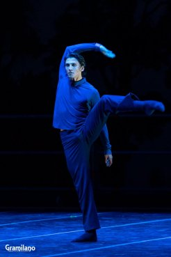 Matteo Miccini in Edward Clug's Ssss © Graham Spicer