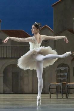 Yasmine Naghdi as Kitri in Don Quixote, The Royal Ballet © 2019 ROH. Photograph by Andrej Uspenski (1)
