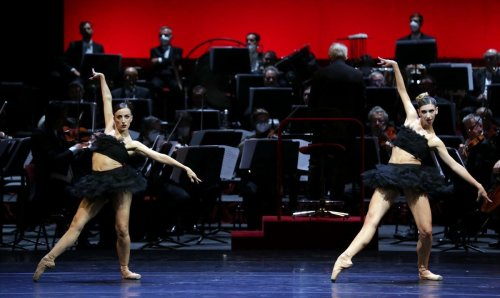 Ballet Gala - Do a duet - Antonella Albano and Maria Celeste Losa, photo by Brescia e Amisano Teatro alla Scala-03