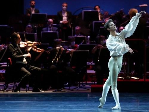 Ballet Gala - La bella addormentata - Claudio Coviello, photo by Brescia e Amisano Teatro alla Scala (1)