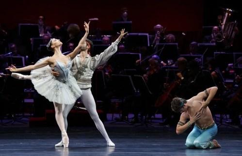 Ballet Gala Le Corsaire - Martina Arduino, Marco Agostino and Mattia Semperboni, photo by Brescia e Amisano Teatro alla Scala
