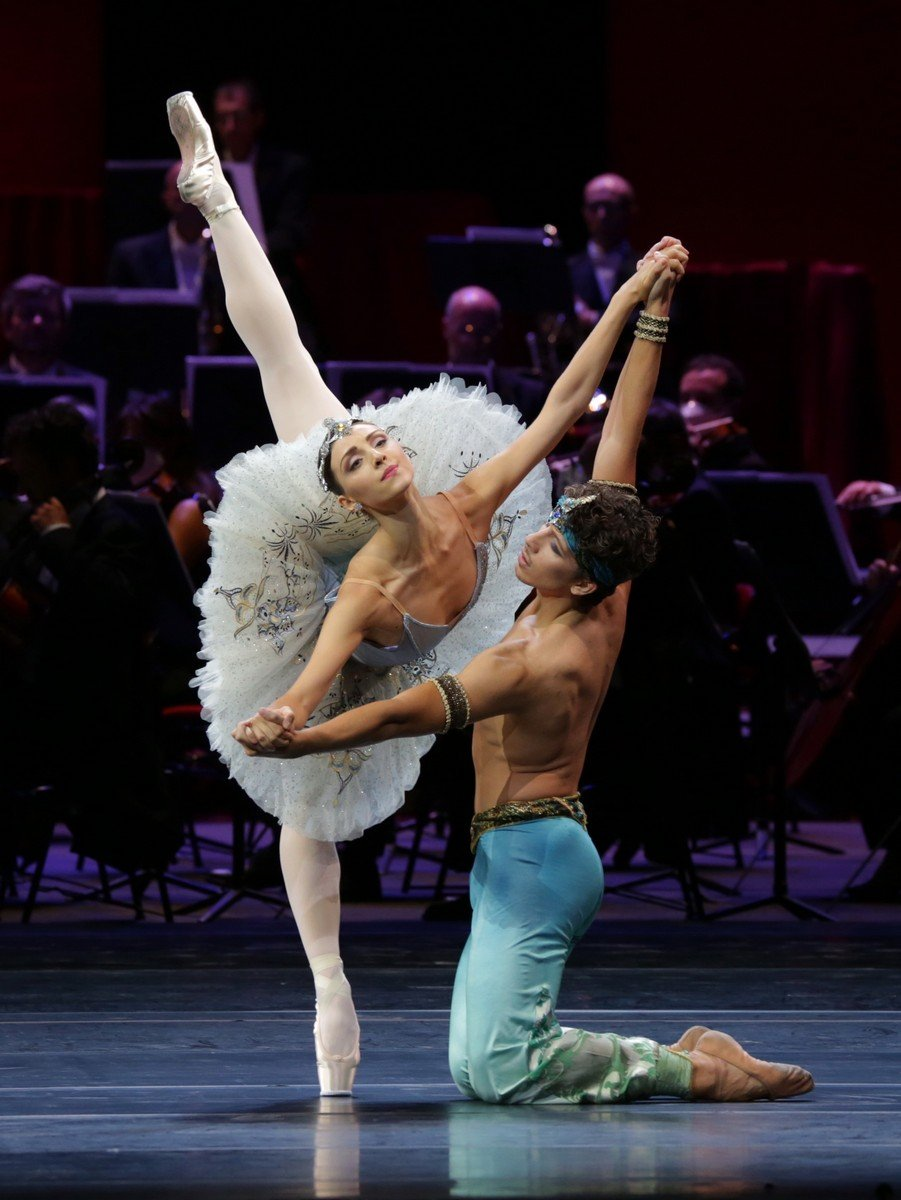 Ballet Gala Le Corsaire - Martina Arduino and Mattia Semperboni, photo by Brescia e Amisano Teatro alla Scala