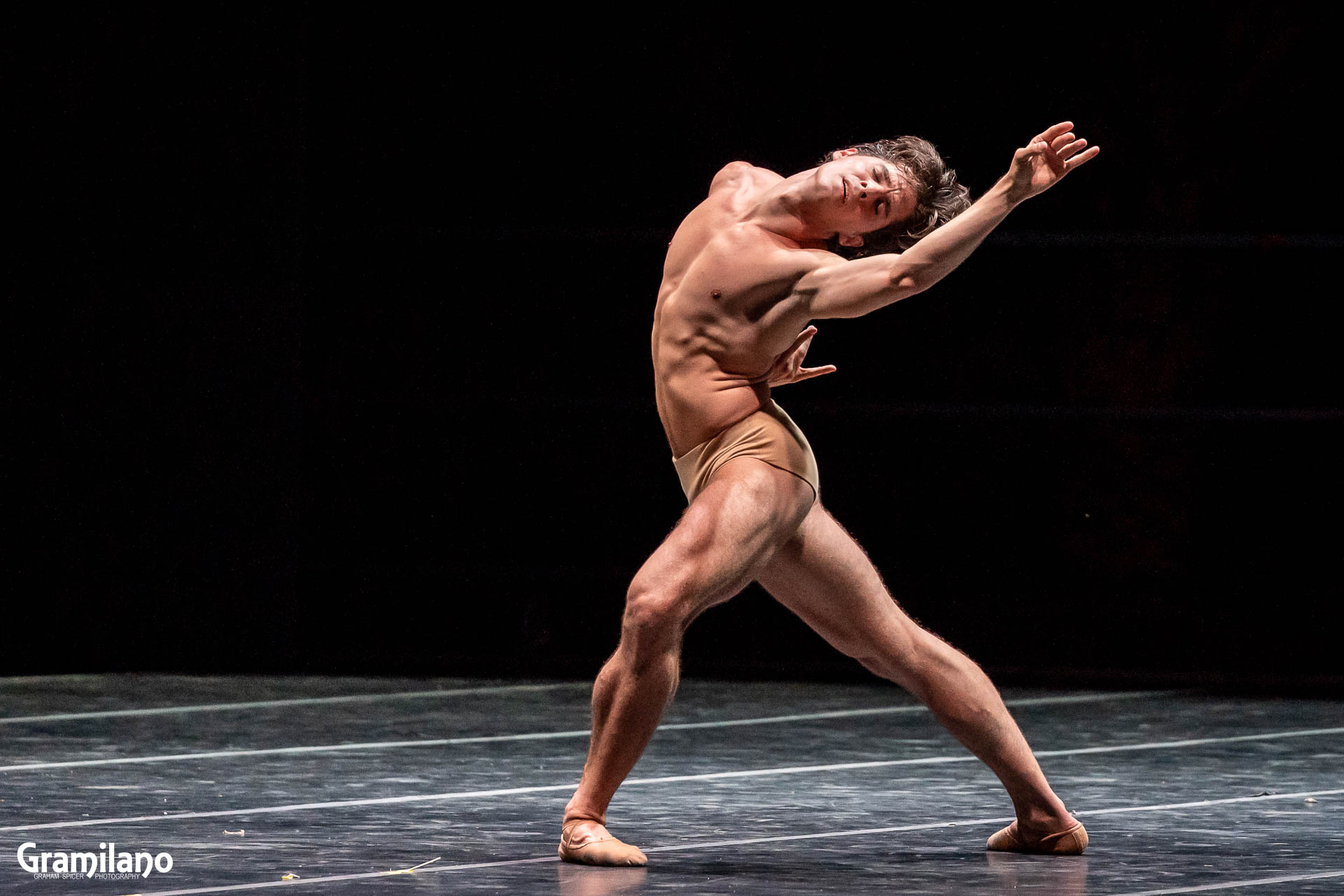 Sergio Bernal in Ricardo Cue's The Swan