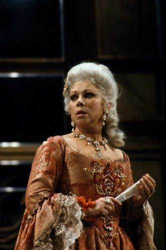 Mirella Freni as Adriana Lecouvreur in 1989, photo by Lelli e Masotti © Teatro alla Scala