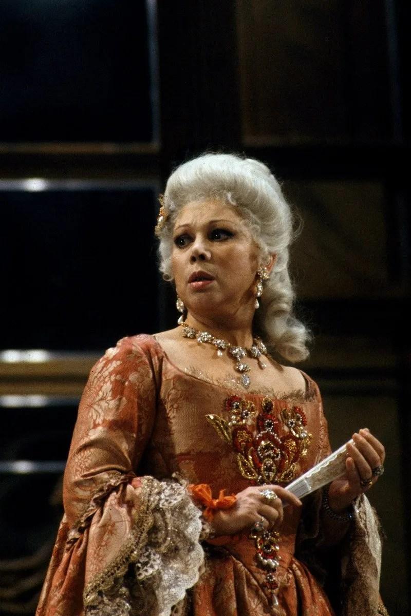 Mirella Freni as Adriana Lecouvreur in 1989, photo by Lelli e Masotti © Teatro alla Scala