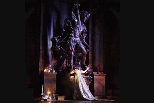 Martina Serafin in Tosca, The Royal Opera © ROH Catherine Ashmore 2011