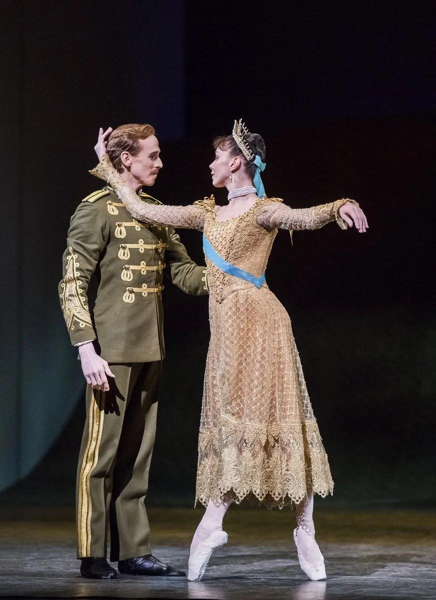 Natalia Osipova as Anastasia and Edward Watson. © 2016, ROH. Photographed by Tristram Kenton.