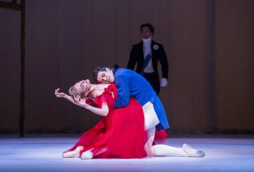 Zenaida Yanowsky as Marguerite and Roberto Bolle as Armand in Marguerite and Armand. © ROH, 2017. Photographed by Tristram Kenton. (2)