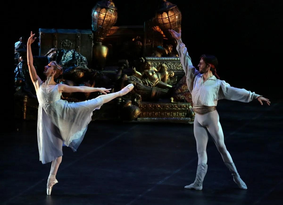 Le Corsaire with Virna Toppi and Marco Agostino, photo by Brescia e Amisano © Teatro alla Scala
