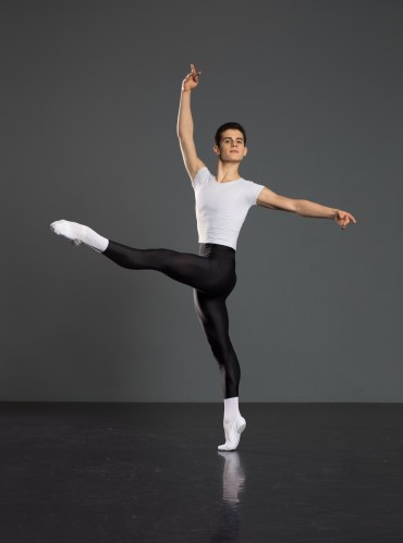Antonio Casalinho doing ballet class. Photo by Nikita Alba - 05