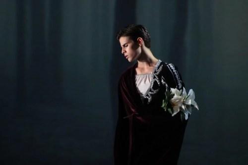 António Casalinho in Maina Gielgud's production of Giselle. Photo by Tomé Gonçalves, Conservatorio Internacional de Ballet e Dança Annarella Sanchez