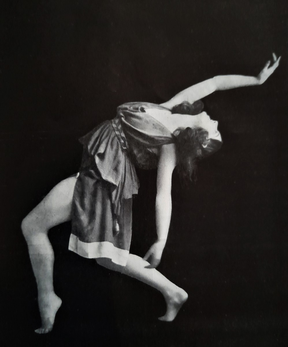 Ninette de Valois as a Nymph in a 1923 Ballets Russes revival of Fokine's ballet Narcisse (1911). Photo by Vaughan and Freeman. © The Royal Ballet School Special Collections