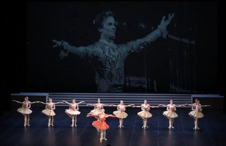 Raymonda - Virna Toppi, Nicola Del Freo e il Corpo di Ballo, photo by Brescia e Amisano ©Teatro alla Scala-01