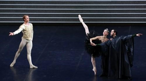 Swan Lake - Nicoletta Manni, Timofej Andrijashenko, Christian Fagetti, photo by Brescia e Amisano ©Teatro alla Scala-02