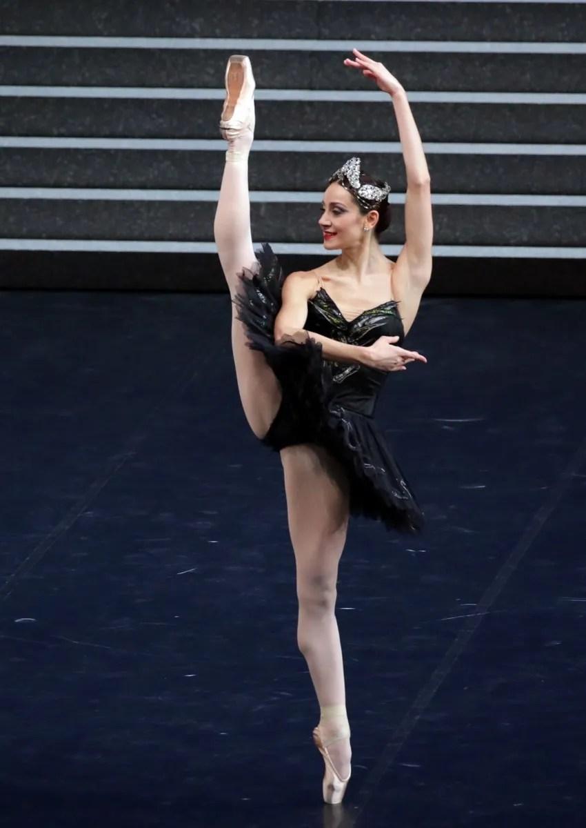 Swan Lake - Nicoletta Manni, photo by Brescia e Amisano ©Teatro alla Scala