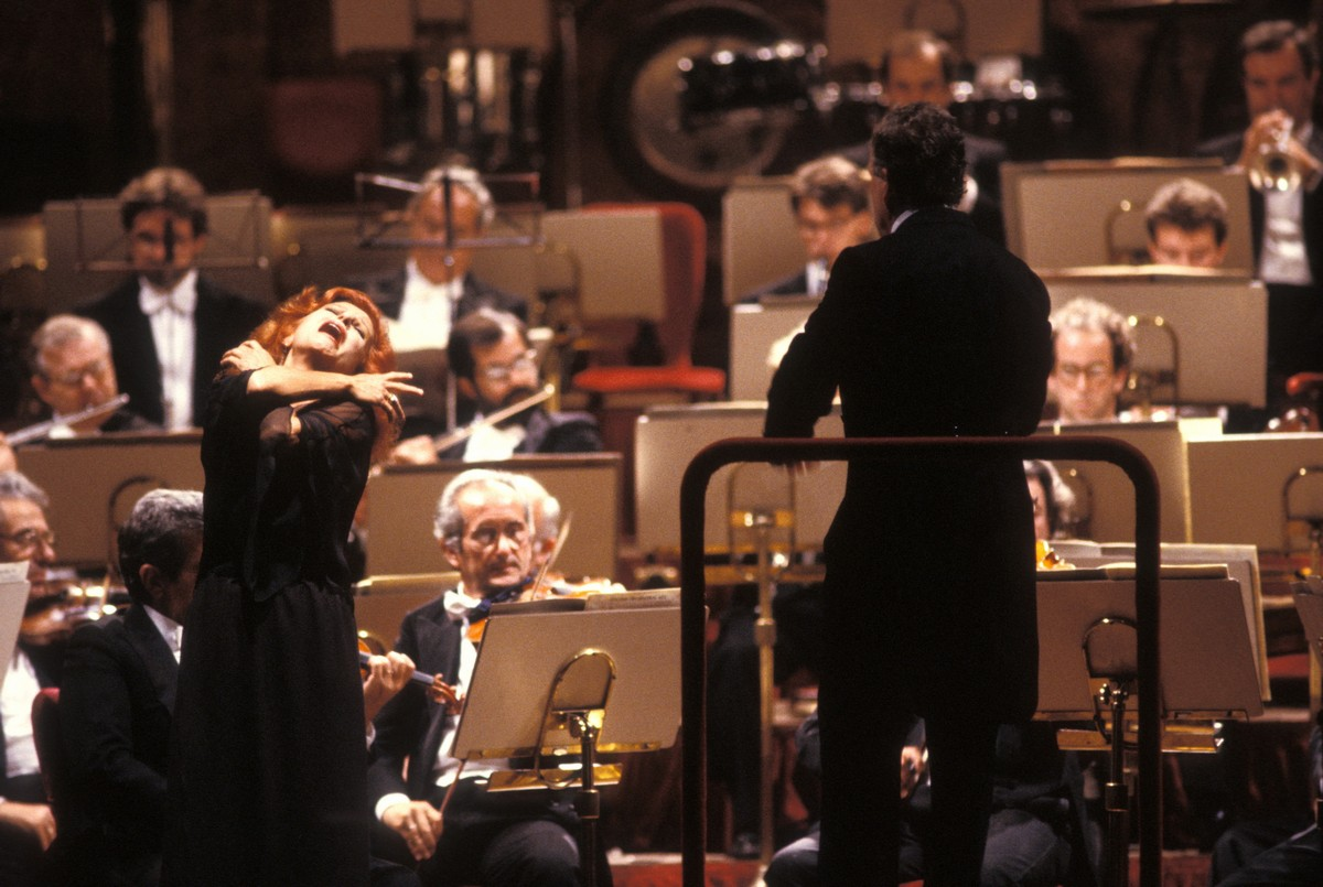 1989 concert with Zoltan Peskó, photo by Lelli e Masotti © Teatro alla Scala-03