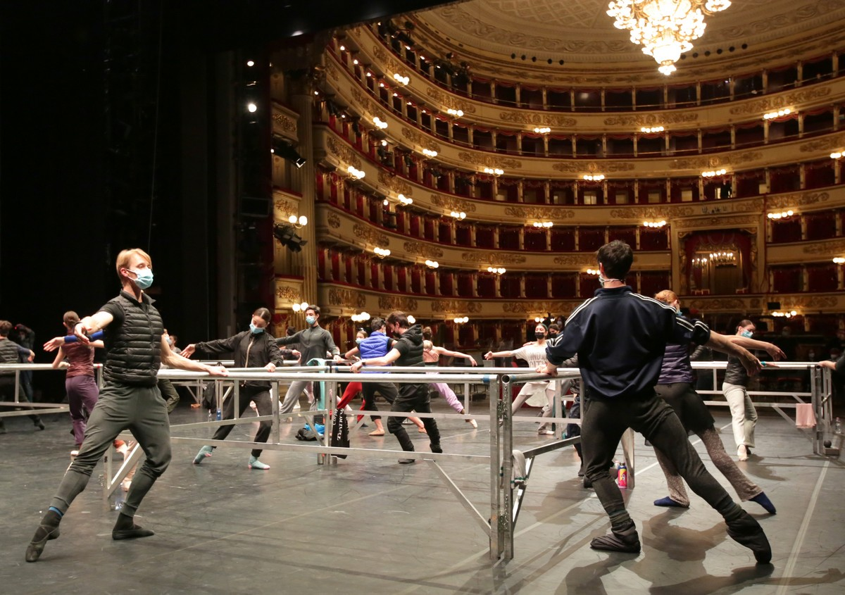 Onstage class - photo by Brescia e Amisano ©Teatro alla Scala (2)