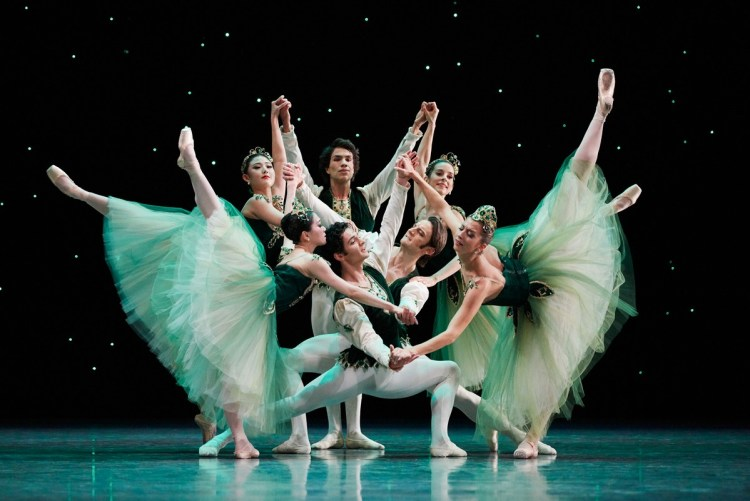 San Francisco Ballet in Balanchine's Emeralds, Choreography by George Balanchine © The Balanchine Trust, Photo © Erik Tomasson